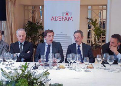 almuerzo-ADEFAM-Jose-Luis-Martinez-Almeida-03