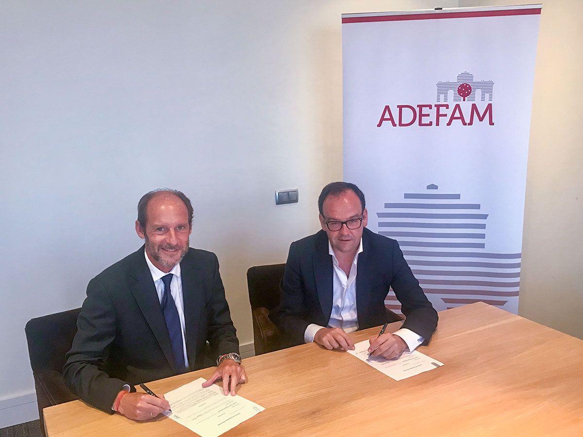 firma-convenio-ADEFAM-Gómez-Acebo-&-Pombo-GA_P